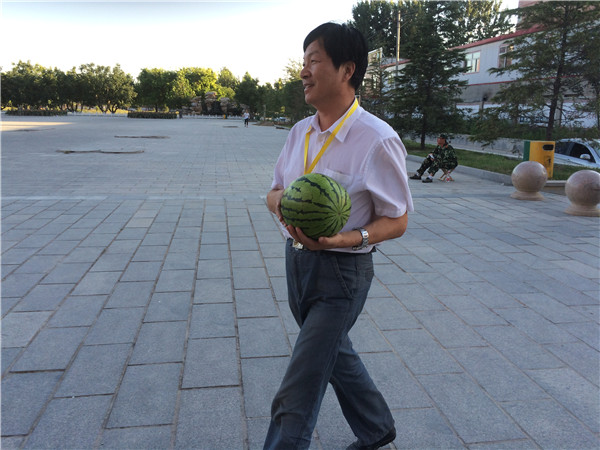 抓饭直播全民体育领导慰问军训教官